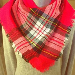 Accessories - 🆕 ONLY ONE! Vintage Red Blanket Plaid Scarf